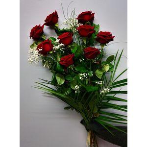 Bouquet roses rouges et gypsophile