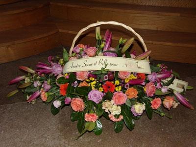 Fleurs de deuil pour rendre un dernier hommage